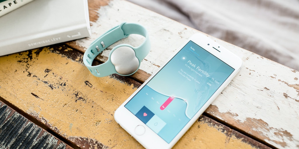 Ava - Women's wearable that detects 5 fertile days per cycle