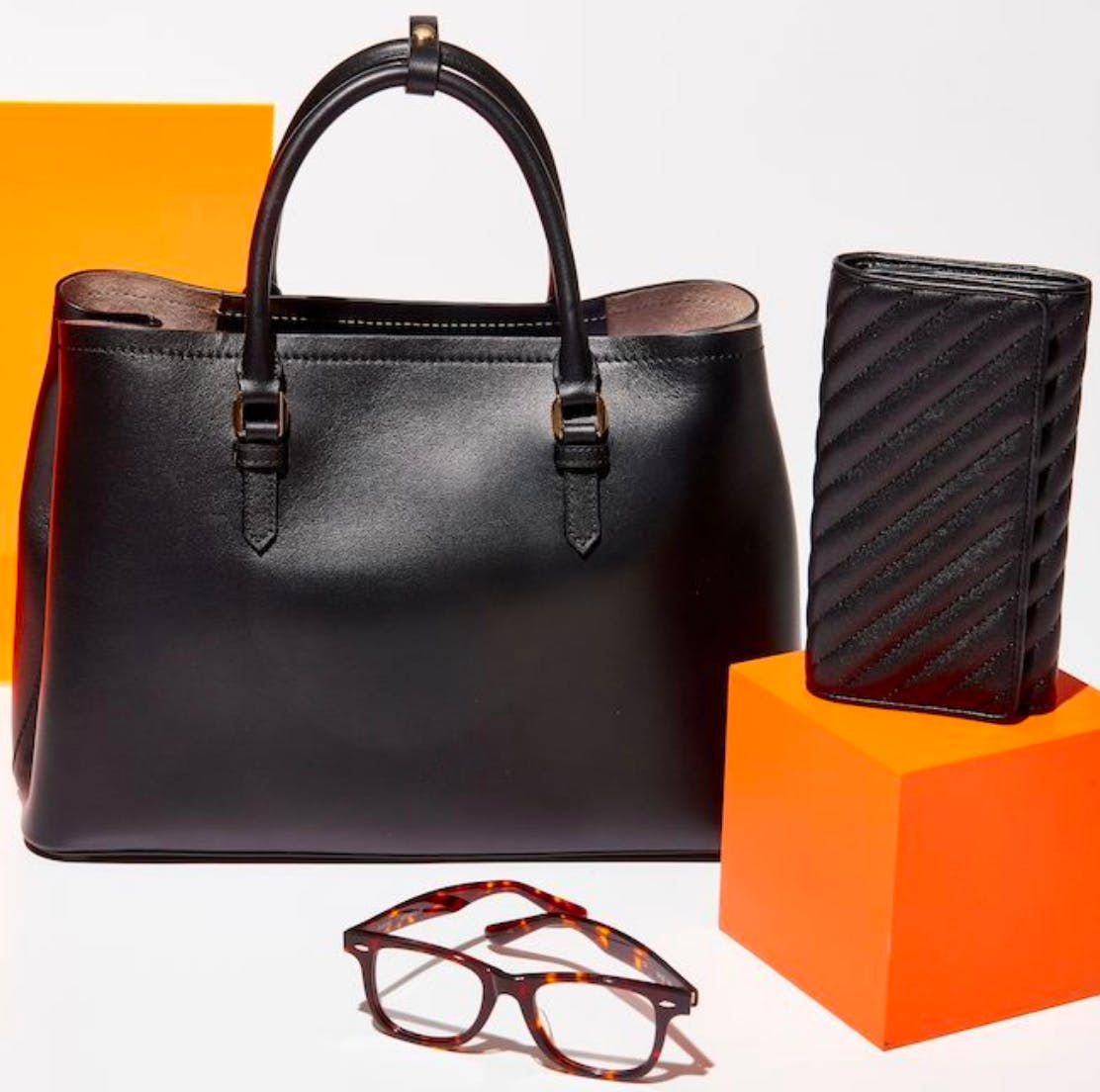 51df7acf073a Italic - Marketplace for unbranded luxury goods